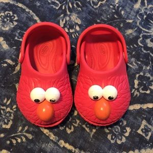 Sesame Street Shoes   Htf Elmo Crocs
